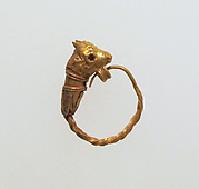 Earring with head of a bull