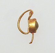 Earring with paste setting