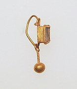 Earring with ball pendant and paste setting