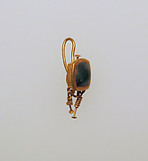Earring-hook type with emerald setting