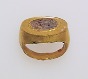 Ring with glass paste