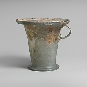 Glass modiolus (one-handled cup)