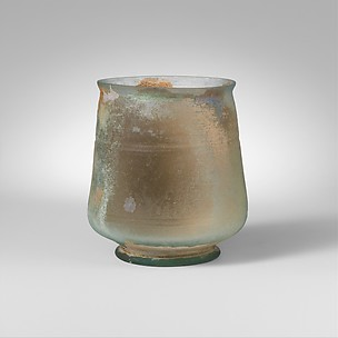 Footed glass beaker