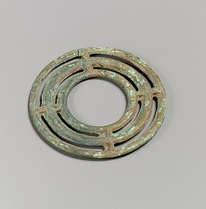 Bronze necklace spiral