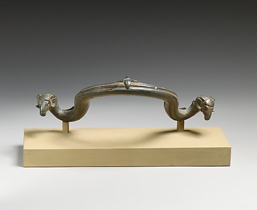 Bronze handle of a bowl or basin