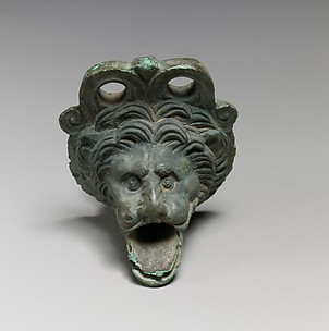 Bronze spout in the form of a lion's head
