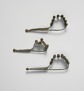 Bronze dragon-type fibula (safety pin)
