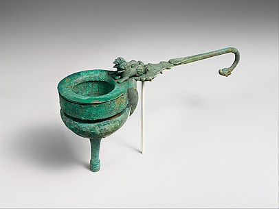 Bronze funnel-strainer