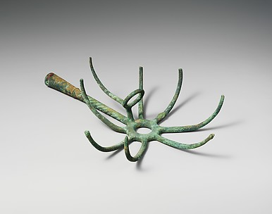 Bronze torch-holder
