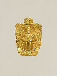 Gold pendant in the form of a sphinx