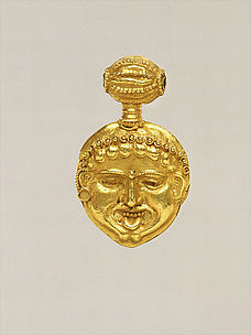 Gold pendant in the form of a gorgoneion (Gorgon's face)