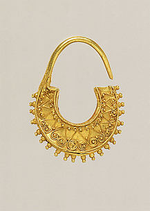 Gold crescent-shaped earring