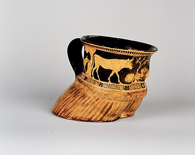 Terracotta cup: cow's hoof