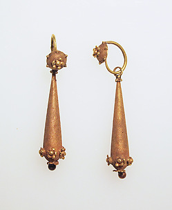Earring with rosette and pendant