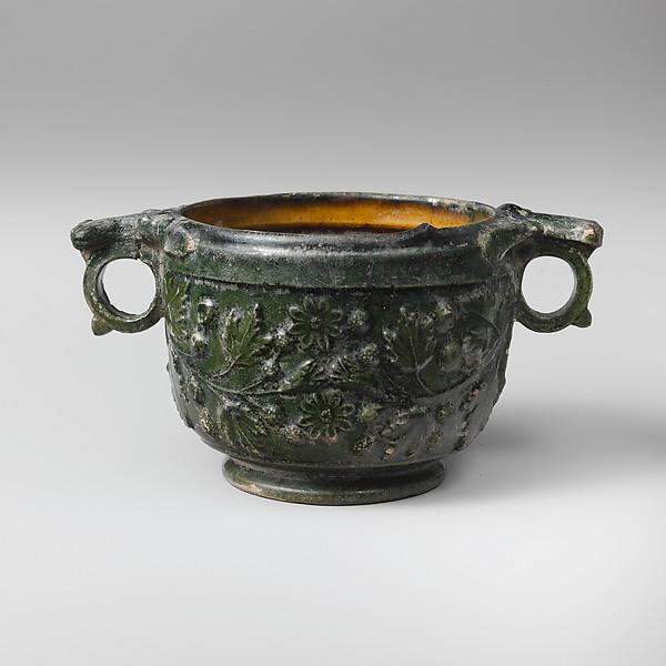 Terracotta scyphus (drinking cup)