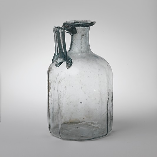 Glass polygonal jug