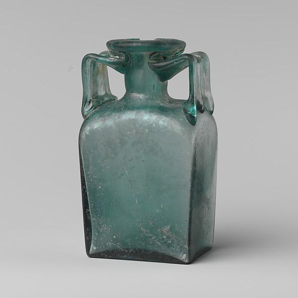 Glass rectangular bottle