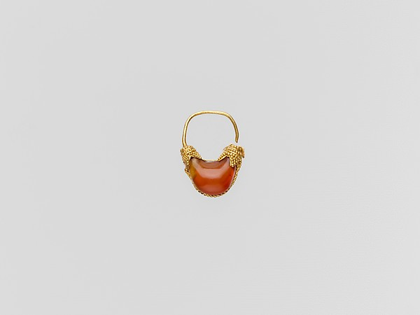 Gold and carnelian boat-shaped earring