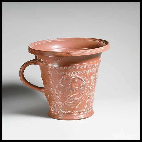 Terracotta modiolus (drinking cup)
