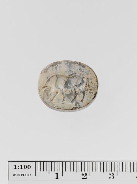 Chalcedony scaraboid seal