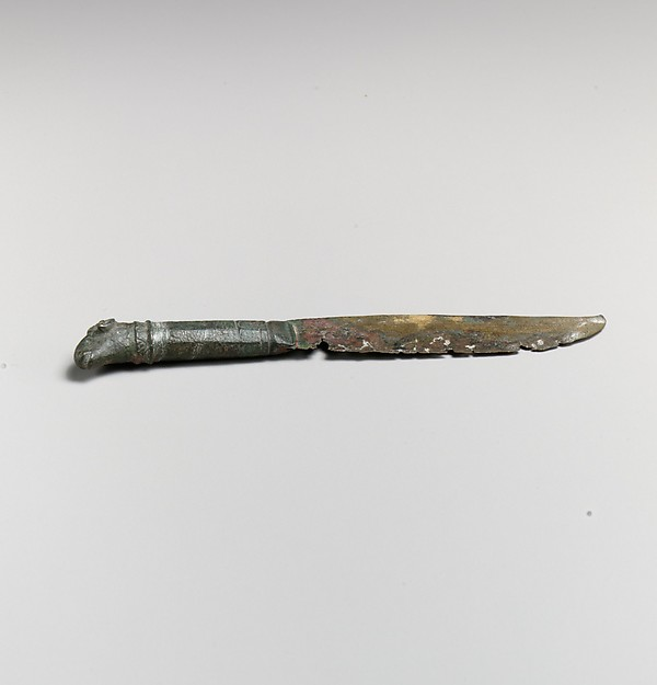Bronze knife with ram's-head handle