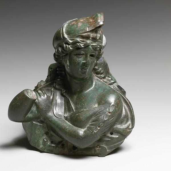 Bronze bust of an Amazon