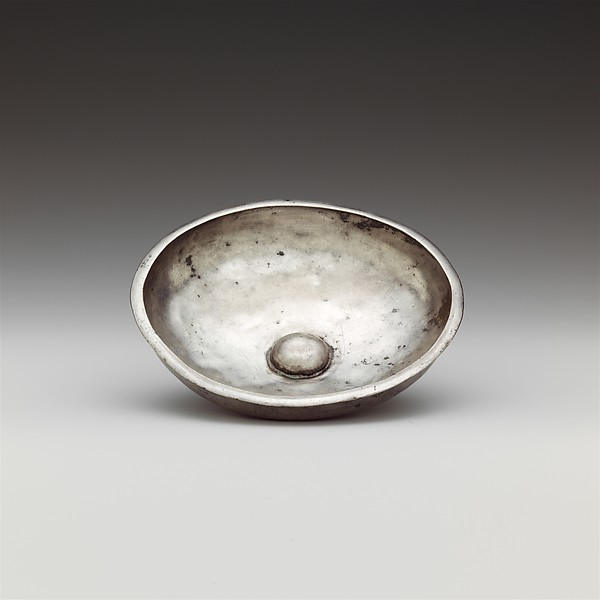 Silver phiale (libation bowl)