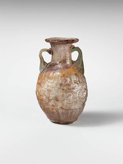 Glass amphoriskos with band of scrolls