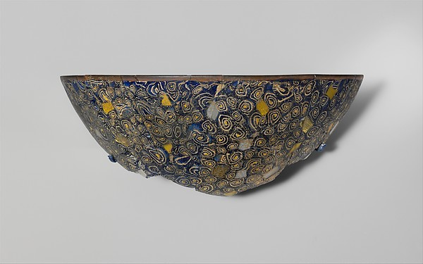 Gold-glass mosaic bowl fragment