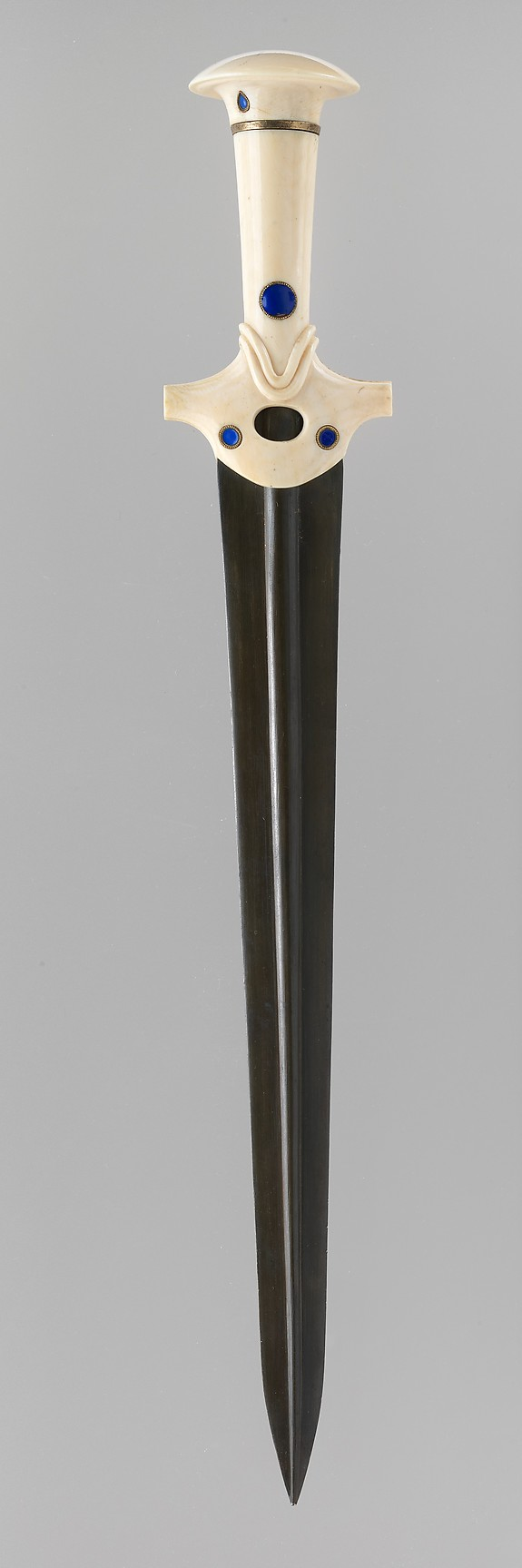 Reproduction of a dagger