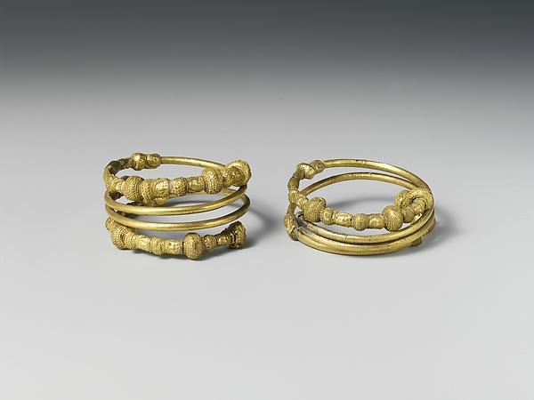 Bracelet spirals, pair