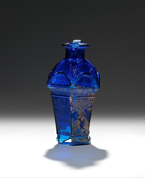 Hexagonal flask (amphoriskos) signed by Ennion