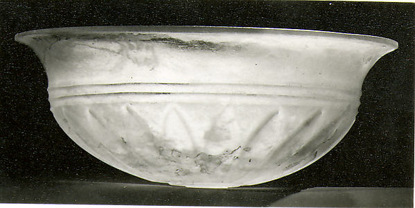 Glass phiale (libation bowl)