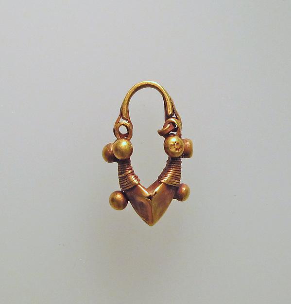 Earring, boat-shaped