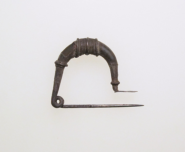 Fibula, bow-shaped