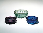 Glass ribbed bowl