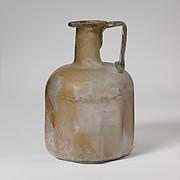 Glass polygonal bottle