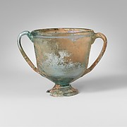 Glass cantharus (cup with two handles)
