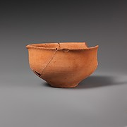 Terracotta pulled-rim bowl