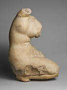 Marble statue of Aphrodite crouching and arranging her hair