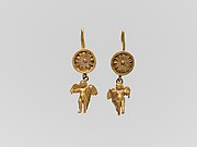 Pair of gold disk earrings with pendant Erotes