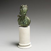 Bronze bust of Artemis