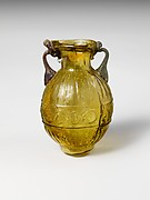 Glass amphoriskos (flask)
