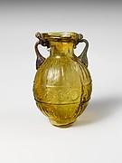 Glass amphoriskos (flask)