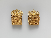 Pair of gold a baule earrings