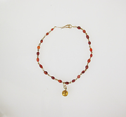 Necklace with carnelian beads