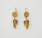 Earring with pendant of Eros