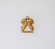 Gold pendant in the form of two rampant lions