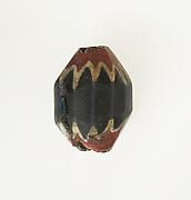 Glass chevron bead