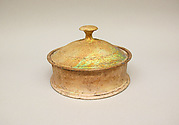 Glass pyxis (box with lid)